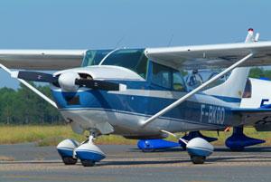 Cessna 182 de la société API